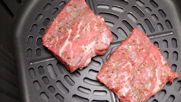 カラーラ ステーキ 牛肩ロース 二個 200℃5分