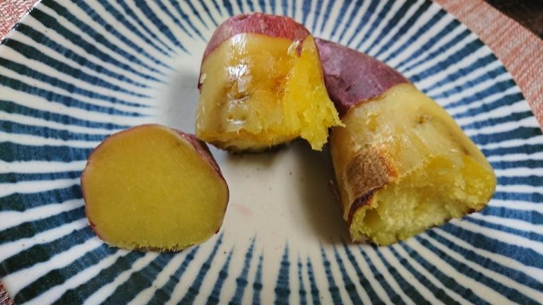 焼き芋 オーブン 皮をむく 断面