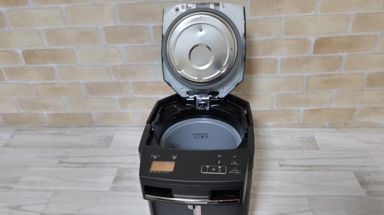 タイガー蒸気レス電気ポットPIM-G220 フタを開ける
